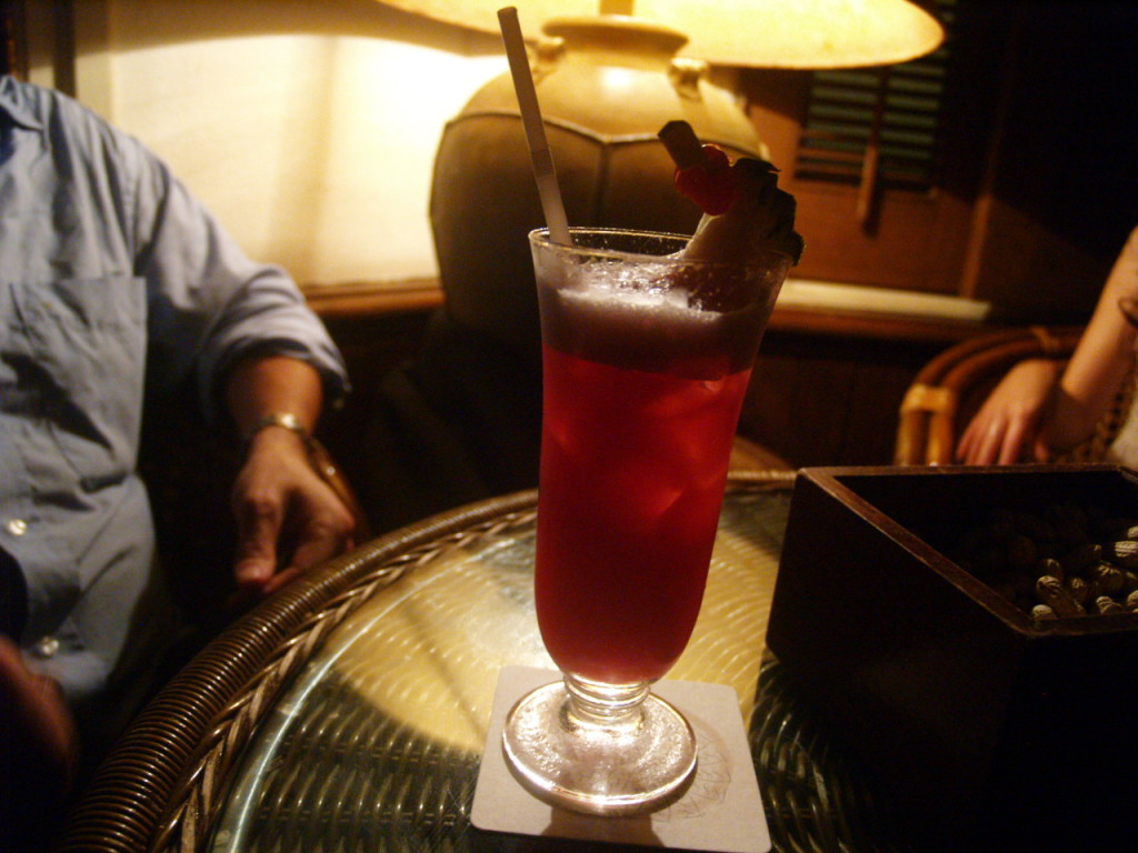 Singapore Gin Sling at the Long Bar ©
